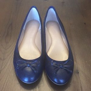 EUC Banana Republic navy flats - Sz 7 (worn 1x)